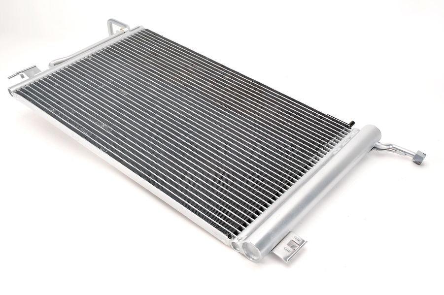 Chłodnica klimatyzacji THERMOTEC KTT110043 - darmowa dostawa do 5000 warsztatów Motointegrator Partner i 170 sklepów Inter Cars