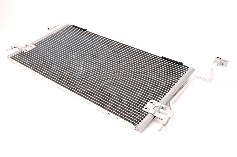 Chłodnica klimatyzacji THERMOTEC KTT110044 - darmowa dostawa do 5000 warsztatów Motointegrator Partner i 170 sklepów Inter Cars