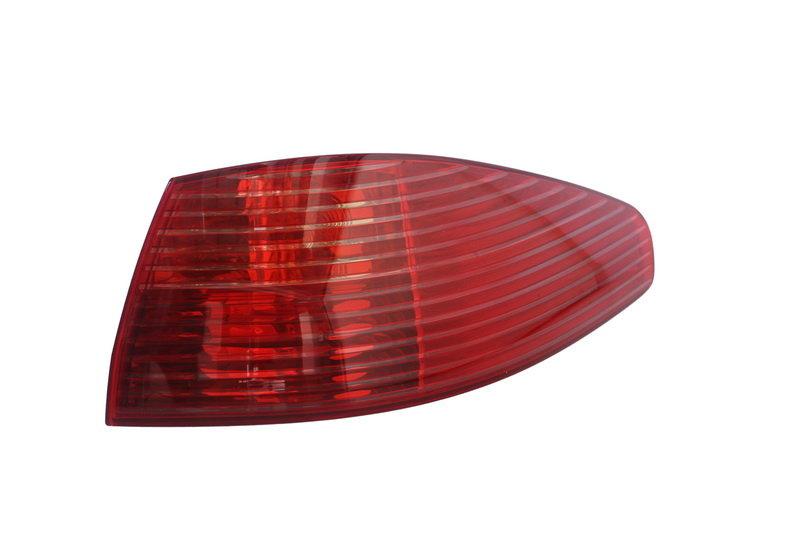 Szkło/klosz lampy tylnej MAGNETI MARELLI 714025431801 - darmowa dostawa do 5000 warsztatów Motointegrator Partner i 170 sklepów Inter Cars